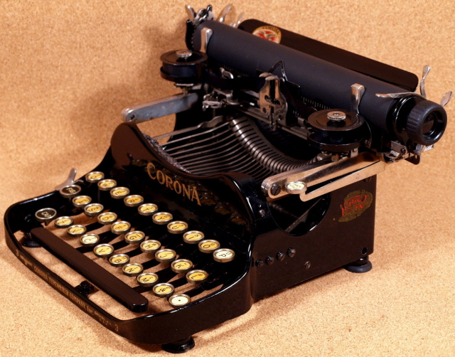 Vintage Typewriter Shoppe 77