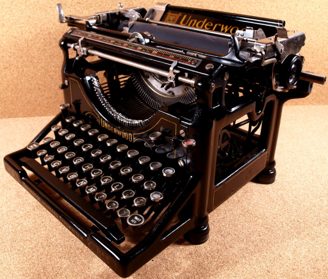SOLD! *NEW* Underwood 5 Office Model Typewriter! Nice Condition!